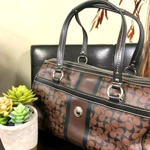 Beautiful classic Coach handbag